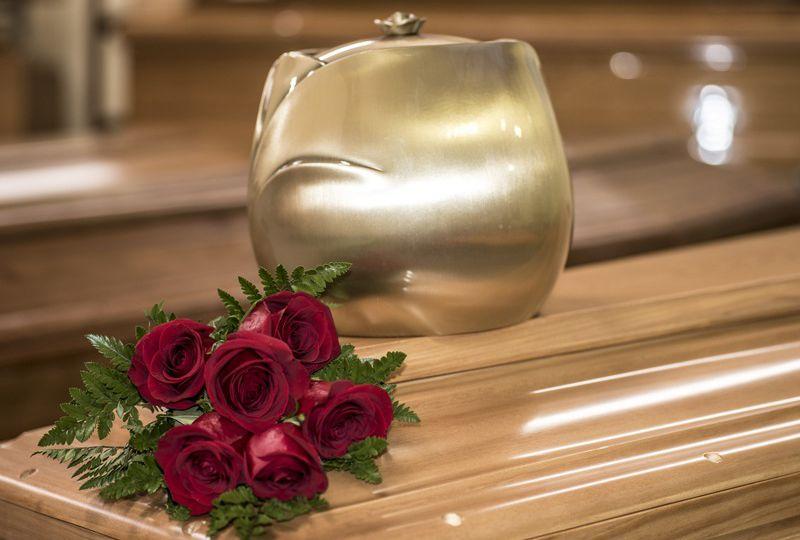 kremacja-czy-tradycyjny-pochowek