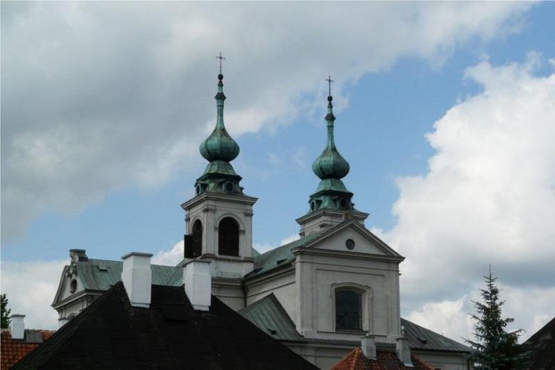 Parafii Rzymskokatolickiej bł. E. Detkensa w Lasku Bielańskim przy ul. Dewajtis 3