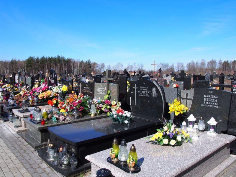 cmentarz milosierdzia bozego w zabkach
